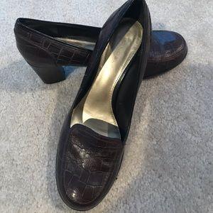 Women's Bandolino Brown leather heels